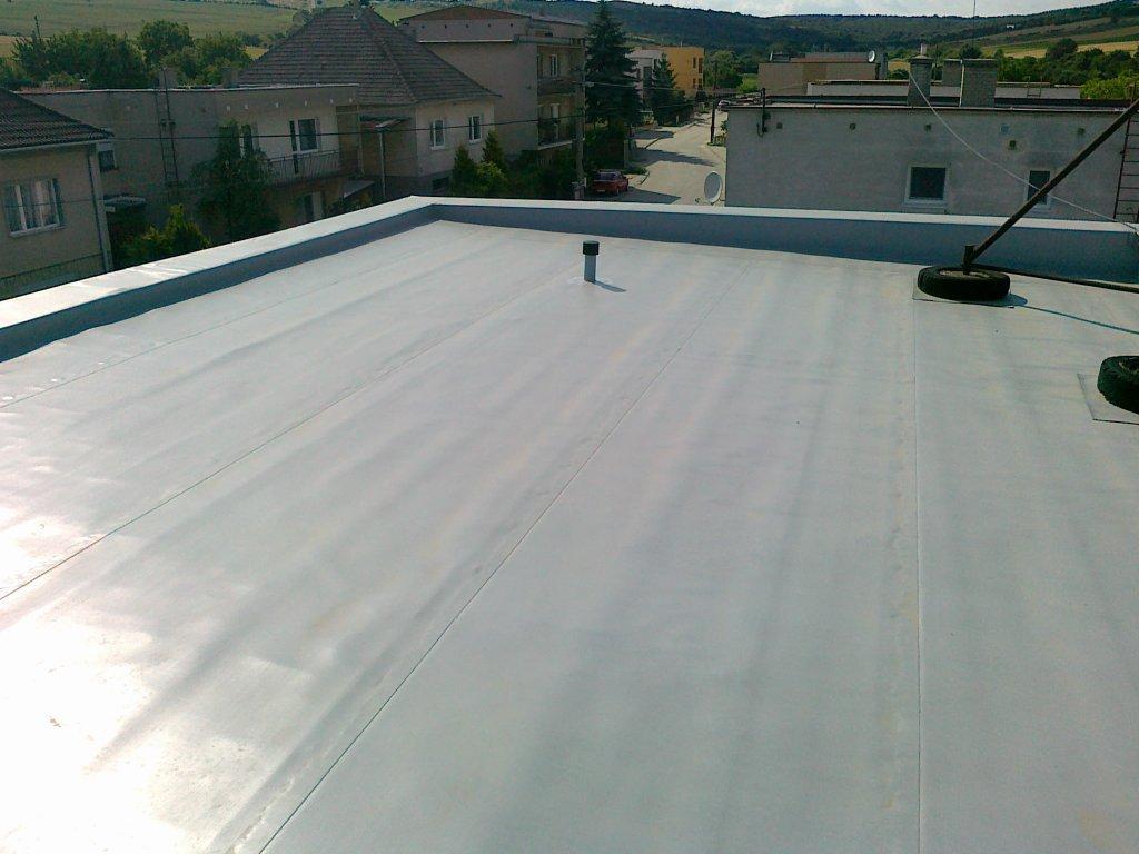Sisteme adezive de acoperiș